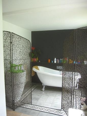 Carreaux de ciment dans une salle de bains ouverte auvers sur oise 95