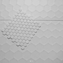 Carreaux nid d abeille pour une douche italienne paris