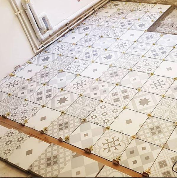 travaux de carrelage fa ence pose carreaux de ciment. Black Bedroom Furniture Sets. Home Design Ideas