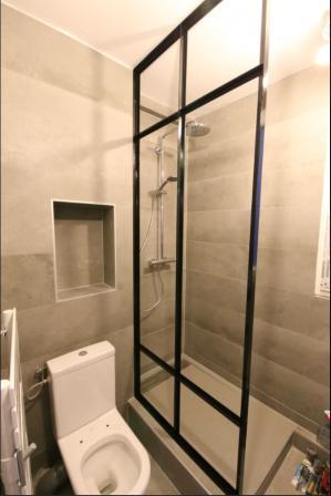 Creation d une paroi de douche aspect vitrage atelier paris