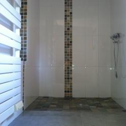 Douche a l italienne dans une salle d eau 95