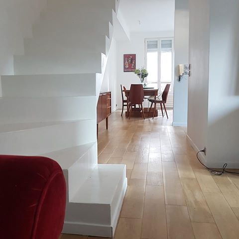 Escalier beton peint ; ponçage - vitrification parquet