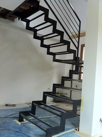 Escalier metal mery sur oise
